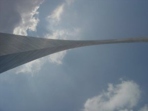 Gateway Arch from the ground