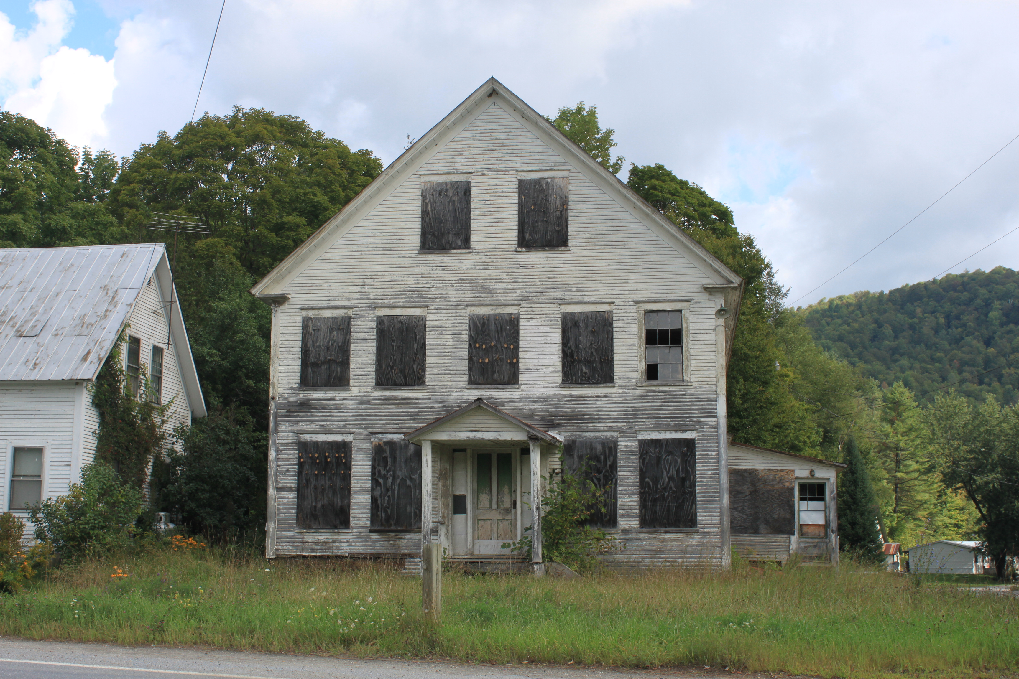 Abandoned vermont granville inn preservation in pink for Granville home