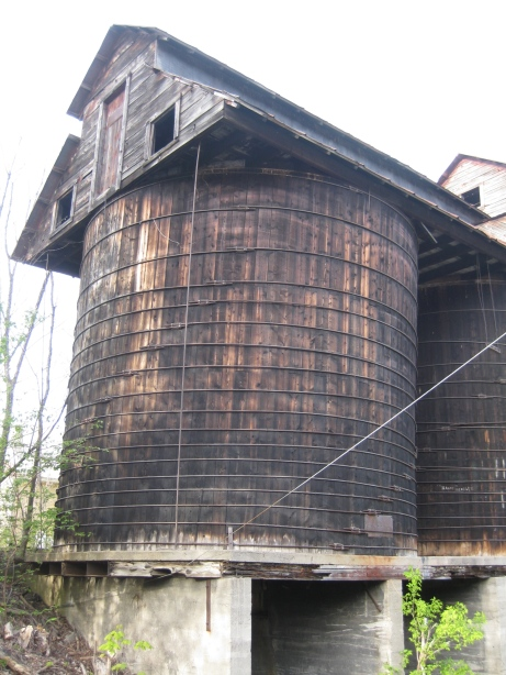 A door allowed access above the silos.