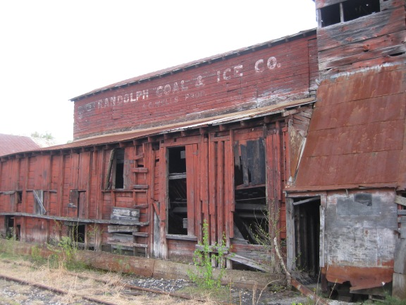 Randolph Coal & Ice is still visible on the shed.