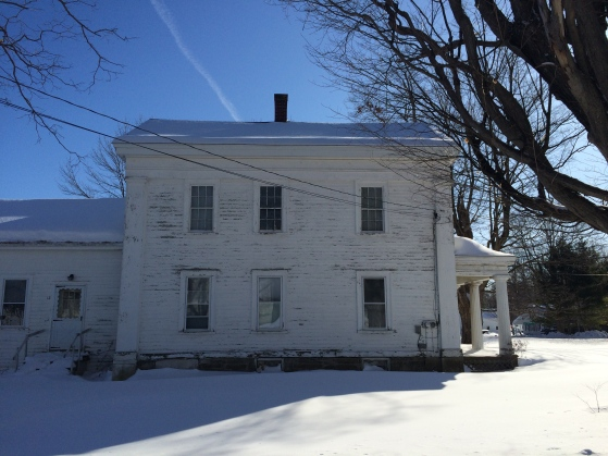 Side elevation, in which the house looks frozen.