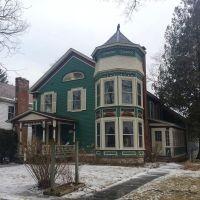 I'll take a two-story bay window any day. Brandon Village, ca. 1860s. #presinpink